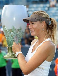 Sharapova wins Cincinnati Open 2011