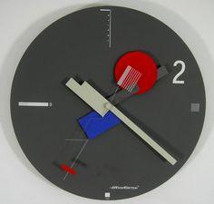 The Memphis design movement has influenced the design of many objects, including clocks, examples of which are shown here Memphis Design, Memphis Art, Memphis Milano, Modern Retro, Midcentury Modern, Post Modern, Nathalie Du Pasquier, Clock Art, Clocks