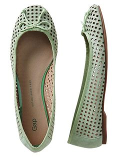 Gap Perforated Ballet Flats - endive by: Gap Spring Shoes, Summer Shoes, Crazy Shoes, Me Too Shoes, Tall Friends, Stylish Shoes For Women, All About Shoes, Pretty Shoes, Ballet Flats