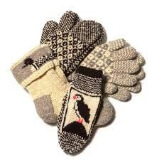 newfoundland knitting patterns for slippers Wool Gloves, Mitten Gloves, Ankle High Socks, Newfoundland And Labrador, Knit Mittens, Quilt Making, I Fall In Love, Free Pattern, Knitting Patterns