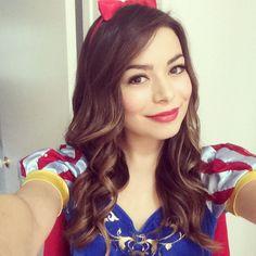 Miranda Cosgrove as Snow White Halloween