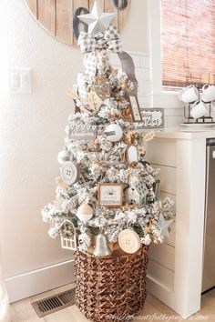 A Farmhouse Style Christmas Tree | Simply Beautiful By Angela Flocked Christmas Trees Decorated, Woodland Christmas, Beautiful Christmas Trees, Christmas Diy, Christmas Games, White Christmas, Christmas Cookies, Farmhouse Christmas Trees, Christmas Lights