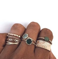 love this chic golden stack stacking rings stackable rings gold rings dajnty Dainty Jewelry, Cute Jewelry, Jewelry Art, Jewelry Rings, Jewelry Accessories, Fashion Accessories, Fashion Jewelry, Jewelry Ideas, Jewlery