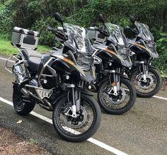 "2,706 mentions J'aime, 9 commentaires - BMW Adventure Riders (@bmwadventureriders) sur Instagram: ""#Repost @aventurerospty ・・・ The girls striking a pose for a good shot #bmw #gsa1200 #aventurerosPty…"""