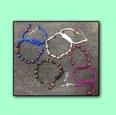 Rosarios de coco (Rosary with coconut beads) por HandmadeCreationsPR en Etsy  Come visit our Etsy store!