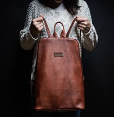 Woman Leather Backpack in Wood Honey colour / Zboží prodejce street Honey Colour, Color Street, Leather Backpack, Backpacks, Tote Bag, Zip, Wood, Bags, Fashion