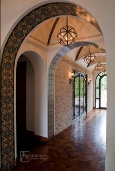 Spanish style homes – Mediterranean Home Decor Mediterranean Style Homes, Spanish Style Homes, Spanish House, Mediterranean Architecture, Spanish Revival, Spanish Colonial, Spanish Style Interiors, Spanish Style Decor, Spanish Tile