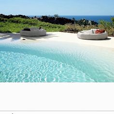 Pool with white sand beach. Swimming Pool Pond, My Pool, Swimming Pool Designs, Pool House Decor, Beach Entry Pool, Pool House Designs, Lagoon Pool, Design Jardin, Luxury Pools