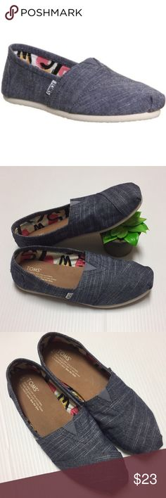 Chambray TOMS Beautiful chambray TOMS, this color is perfect for spring, squishy supportive footbed, rubber sole, good preowned condition with super light wear Toms Shoes Flats & Loafers