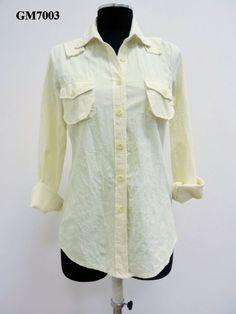 Camicia in cotone buccia d'arancia con semi perle sul collo.