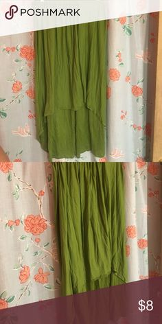 Citrus Green Hi-Low Skirt Citrus Green Cotton\Spandex skirt, Hi-Low hem Detail, elastic waistband. Size XL- would work for 10 to 16, I cut out the tag- it was scratching me. Has been worn, but plenty of life left! Boohoo Plus Skirts High Low