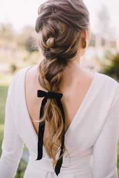 """30 Gorgeous Hair Styles and Looks - Today it is all about the HAIR. If you need a little """"Hair Inspiration"""" you're in luck. It's easy to get stuck with same old look- the same old hair style. Simple Wedding Hairstyles, Bride Hairstyles, Pretty Hairstyles, Bob Hairstyles, Hairstyle Ideas, Teenage Hairstyles, Stylish Hairstyles, Ombre Hair Color, Hair Dos"""