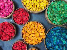 Shopping dans le souk de Marrakech Photo © Dar Kawa