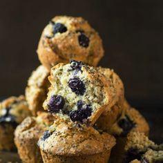 Muffins aux bleuets et graines de chia - K pour Katrine Biscuits, Brunch, Granola, Meal Prep, Healthy Eating, Menu, Gluten, Cookies, Breakfast