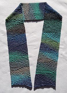 Slip stitch scarf, free pattern on Ravelry