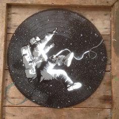 Falling astronaut - Spray paint wall art on vinyl - Black and White