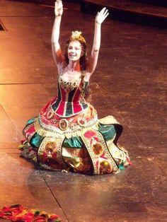 "Wendy Ferguson via Twitter: ""@ sierraboggess seriously...2 years...it's CRAZY!!! Here's a cheeky little dress run snap of you!! # AintYaCute xx pic.twitter.com/O6GhagnDTz"" Phantom's 25th"