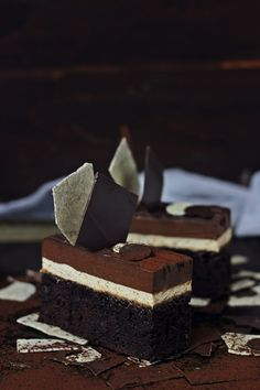 Devil's Food Cake with Coffee Mousse and Chocolate Cremeux Entremet Recipe, Coffee Mousse, Cake Recipes, Dessert Recipes, Chocolate Dreams, Sweets Cake, Chocolate Desserts, Chocolate Slice, Pastry Cake