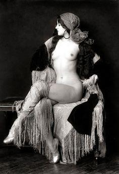 Virginia Biddle Actress and Ziegfeld Follies dancer. Photo taken by the great Ziegfeld Follies photographer Alfred Cheney Johnston.