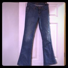 Old navy junior jeans Old navy The Flirt jeans boot cut in great condition never worn size 0 Old Navy Jeans Boot Cut