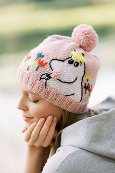 Moomin X Novita features unique knitting and crochet patterns in new 'The Best of Little My' magazine - Moomin Mittens Pattern, Knit Mittens, Knitted Blankets, Knitted Hats, Crochet Bunny, Knit Crochet, Crochet Hats, Crotchet Patterns, Knitting Patterns