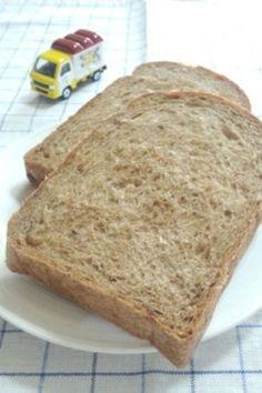 雑穀入り食パン