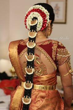 Hair Styles Wedding Indian Blouse Designs 31 Ideas For 2019 South Indian Wedding Hairstyles, Bridal Hairstyle Indian Wedding, Bridal Hair Buns, Bridal Braids, Bridal Hairdo, Indian Bridal Fashion, Indian Hairstyles, Hair Wedding, Wedding Dress