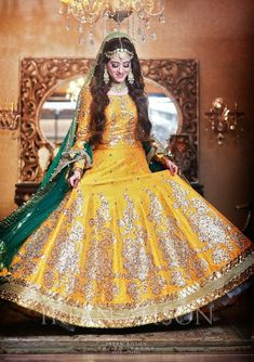 Mehndi dresses ideas for Pakistani wedding – The Odd Onee Pakistani Mehndi Dress, Bridal Mehndi Dresses, Pakistani Wedding Outfits, Pakistani Bridal Dresses, Pakistani Dress Design, Pakistani Wedding Dresses, Bridal Outfits, Indian Outfits, Mehndi Outfit