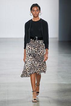 Elie Tahari Spring 2020 Ready-to-Wear Fashion Show - Vogue Fashion 2020, Runway Fashion, Spring Fashion, Fashion Brands, Fashion Outfits, Elie Tahari Dresses, Unique Fashion, Fashion Design, Dress Hats