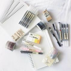 stationery aesthetic notebooks highlighters pens cute kawaii g e o r g i a n a : p e n > s w o r d Muji Stationary, Stationary School, School Stationery, Cute Stationery, Stationary Supplies, Korean Stationery, Stationery Shop, Muji Notebook, Cool School Supplies