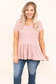 Add our stylish plus size tops to any outfit for a cute, casual look you can wear all day long! Discover boutique blouses for curvy women that fit like a glove! Plus Size Shirts, Plus Size Blouses, Plus Size Tops, Spring Summer Fashion, Spring Outfits, Spring Clothes, Plus Fitness, Casual Outfits, Cute Outfits