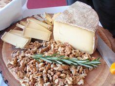 ティチーノ産のチーズ、クルミと一緒に食べると更に美味しい