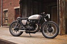 Honda CB450 - Classy. Still nothing too custom, but | http://motorbikegallery.hana.lemoncoin.org