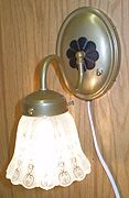 EARLY 20TH CENTURY WALL SCONCE LAMP