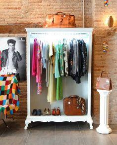 home furniture diy Boutique Interior, Boutique Decor, Shop Interior Design, Store Design, Interior Design Living Room, Design Design, Repurposed Furniture, Painted Furniture, Furniture Makeover