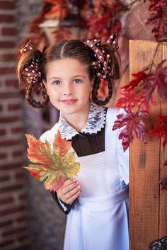 Vintage Kids Photography, School Photography, Children Photography, Fall Photos, Crochet Hair Styles, School Fashion, Beautiful Children, Kids Girls, Cute Kids