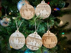 Baubles - Homemade wooden Christmas baubles that feature our extended family done with pyrography. Extended Family, Christmas Baubles, Pyrography, Homemade, Holiday Decor, Building, Blog, Home Decor, Christmas Ornaments
