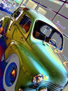 Renault 4 CV Primer Renault 4 CV fabricado en la factoría vallisoletana FASA, en 1953. Único coche de España declarado Bien de Interés Cultural. Ubicado actualmente en el Museo de la Ciencia de Valladolid. Retro, My Childhood, Cars, Vehicles, Renault 4, Classic Cars, Museums, Rolling Stock, Autos