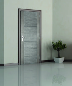 Corsica Light Grey Internal Grooved Door From Mendes. Garage Door Trim, Exterior Entry Doors, Black Interior Doors, Interior Gris, Internal Doors Modern, Wooden Window Design, Grey Doors, Front Door Design, House Doors