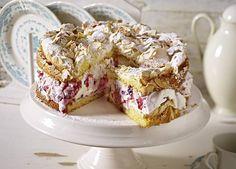 Röd-Gröt-Torte mit Baiser