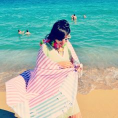 Nothing can top the happiness some sea, sun and sand can bring  With our green striped caftan and beach candy turkish towel  #molacoton #molamonton #turkishtowel #toallaturca #fouta #pestamal #pestemal #peshtemal #peshtamal #Barcelona #playa #beach #summer #verano #fun #natural #moda #modasostenible #fashion #sustainablefashion #travel #viaje