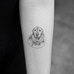 Thinking of getting inked? Here's our round-up of the best tattoo ideas from big and bold to small and delicate Kleine Tattoo-Ideen: Wunderschöne Tattoo-Designs von [. Small Dog Tattoos, Small Finger Tattoos, Finger Tattoo Designs, Little Tattoos, Mini Tattoos, Pet Tattoos, Small Tattoos For Boys, Tattoos Skull, Tatoos