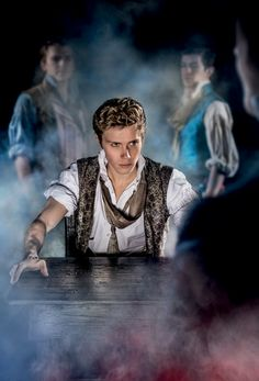 Rob Houchen to play the part of Marius. West End Lobdon. Queens Theatre, Broadway Theatre, Musical Theatre, Broadway Shows, Musicals Broadway, London Theatre, Les Miserables Costumes, Theatre Problems, Theatre Quotes