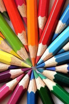 World Of Color, Color Of Life, Image Crayon, Taste The Rainbow, Color Crafts, Coloured Pencils, Color Pencil Art, Color Theory, Rainbow Colors