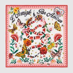 7c407e6a5af Pañuelo de Seda Gucci Garden Cobras