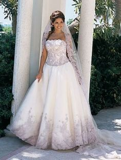 Plus Size Brides | Filed Under: Beauty & Fashion , Gowns , Wedding Planning