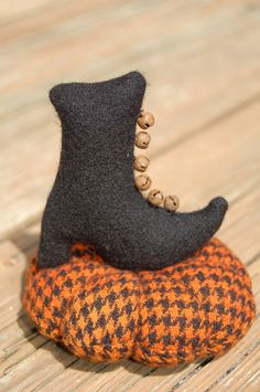 Primitive Halloween Witches Boot Pin Cushion.