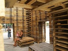 FORÊT II is a Meditation Pavilion Made from 810 Reclaimed Shipping Pallets Pallet Room, Pallet Barn, Pallet House, Pallet Crafts, Diy Pallet Projects, Pallet Ideas, Crate Ideas, Wooden Pallets, 1001 Pallets