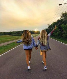 62 Ideas For Travel Friends Photography Bff Bff Pics, Photos Bff, Cute Friend Pictures, Cute Bestfriend Pictures, Funny Pictures, Friend Picture Poses, Cute Summer Pictures, Road Pictures, Snow Pictures