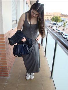 Outfit vestido largo Vero Moda, bolso bimba y lola, adidas super star y cazadora denim de zara.   #vestidolargo #dress #bimbaylola #zara #veromoda #adidas #superstar #adidassuperstar #outfit #look #bloguera #blogger #bloc #blog #blocaire #fashion #fashionblogger #moda #fashionaddict #beauty #beautyblogger #longdress #outfit #outfitinspiration #outfitpost #spanishblogger